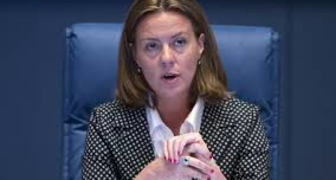 "DL Lorenzin? Codacons interviene: ""serve vaccino anti-politici"""